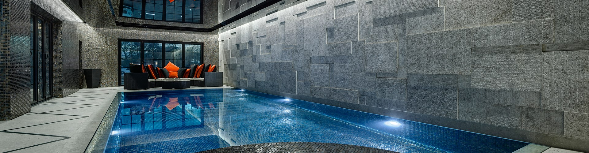 designworks-tiles-pool-mosaics-cocktail-alexander-pool.jpg